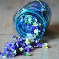 Bình hoa màu xanh ngọc