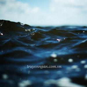 Hồ xanh phẳng lặng