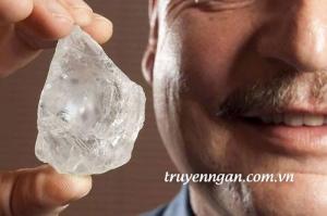 Vết nứt của viên kim cương