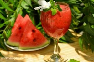 Nửa trái dưa hấu và bài học về tình nghĩa vợ chồng