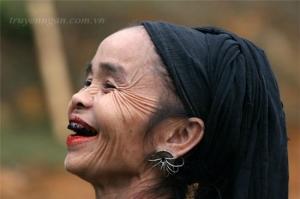 Hoài niệm về răng đen
